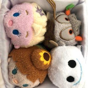 Frozen Tsum Tsum set of 4 inside Olaf carrier